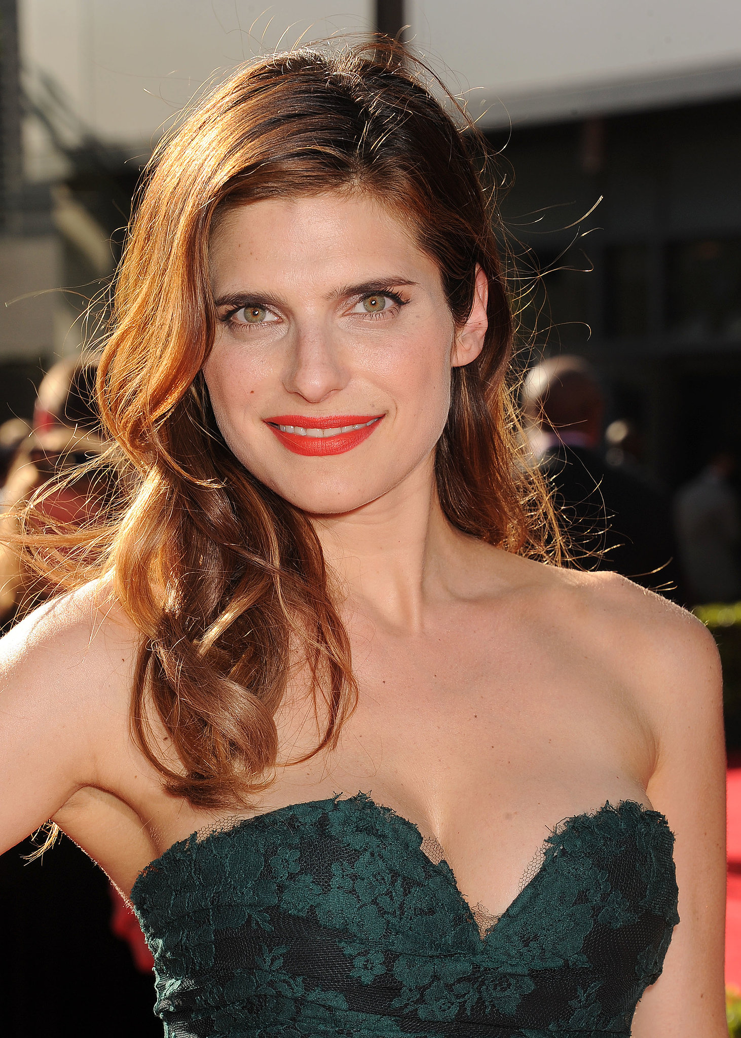 lake-bell-sizzling-images