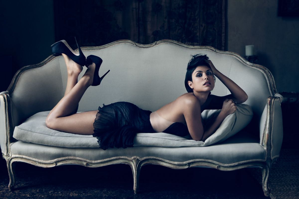 morena-baccarin-sexy-images