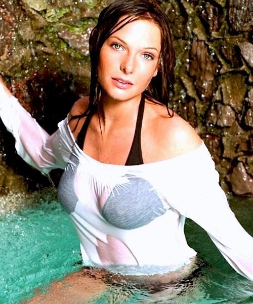 rebecca-ferguson-leaked-pics