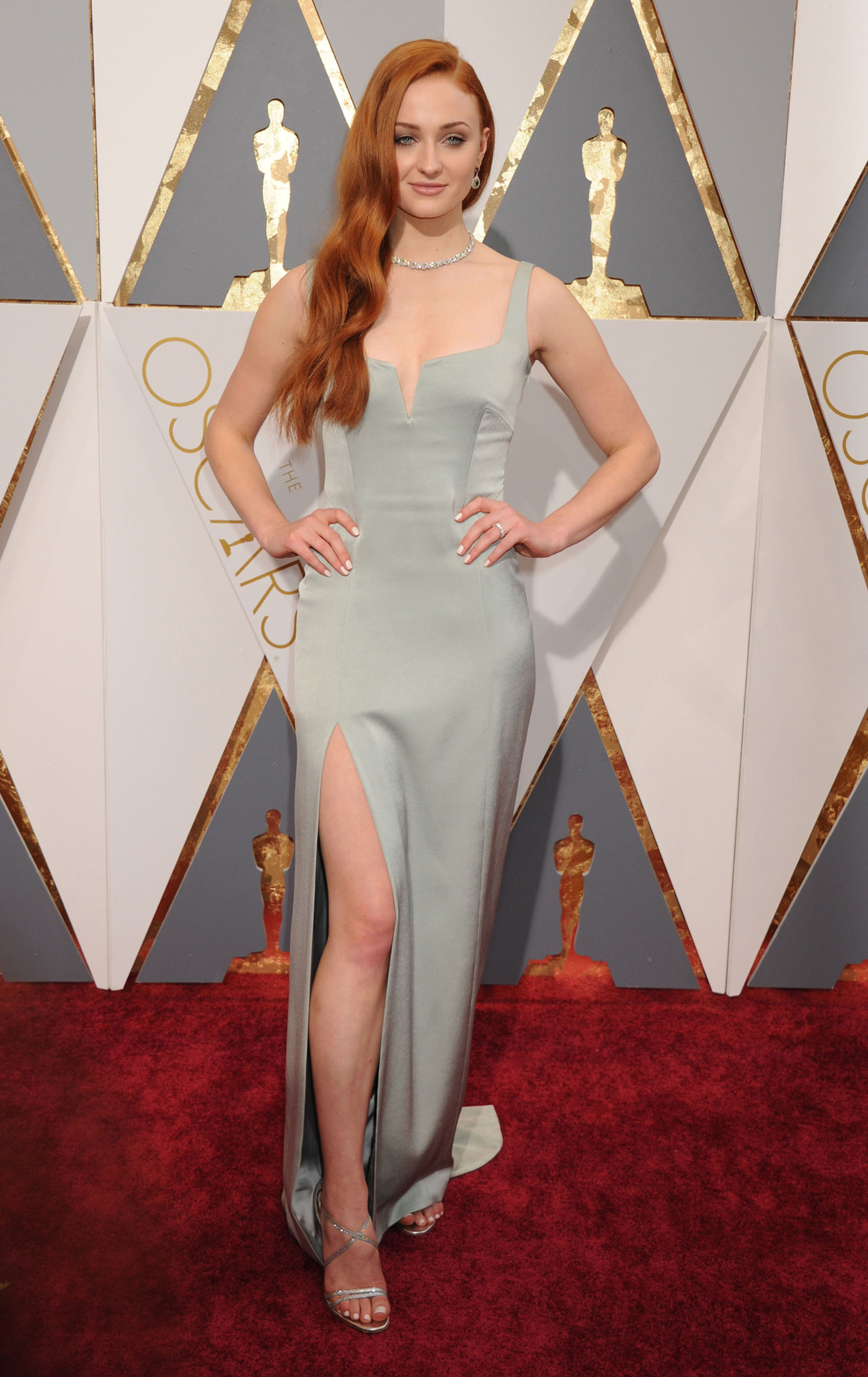 51982312 Celebrities arriving at the 88th Annual Academy Awards at the Hollywood & Highland Center in Hollywood, California on February 28, 2016. Celebrities arriving at the 88th Annual Academy Awards at the Hollywood & Highland Center in Hollywood, California on February 28, 2016. Pictured: Sophie Turner FameFlynet, Inc - Beverly Hills, CA, USA - +1 (310) 505-9876 RESTRICTIONS APPLY: NO FRANCE