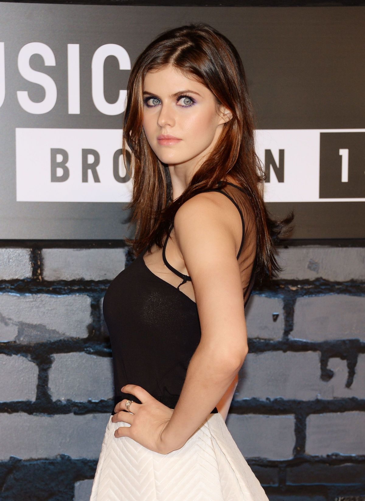 alexandra-daddario-naked-photos