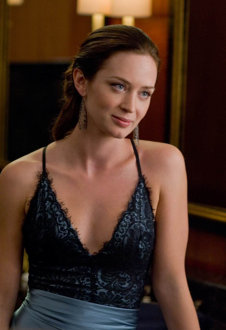 emily-blunt-topless-pics