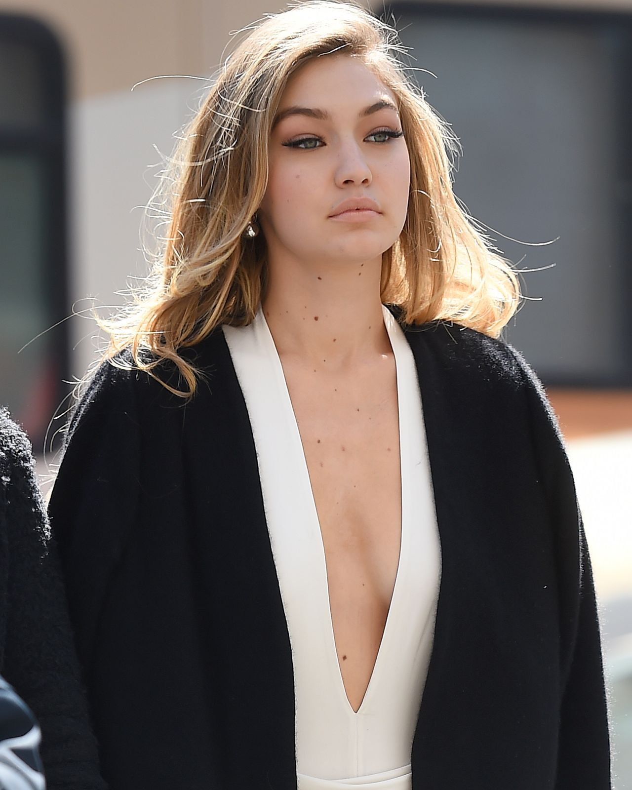 gigi-hadid-hot-in-bikini