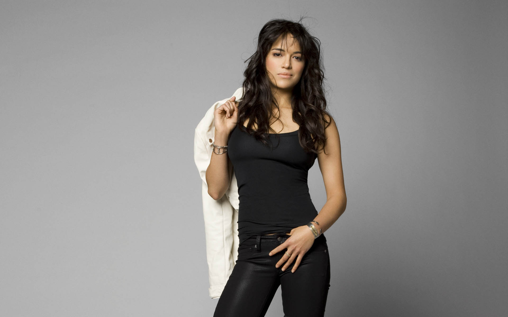 michelle-rodriguez-hot-and-sexy