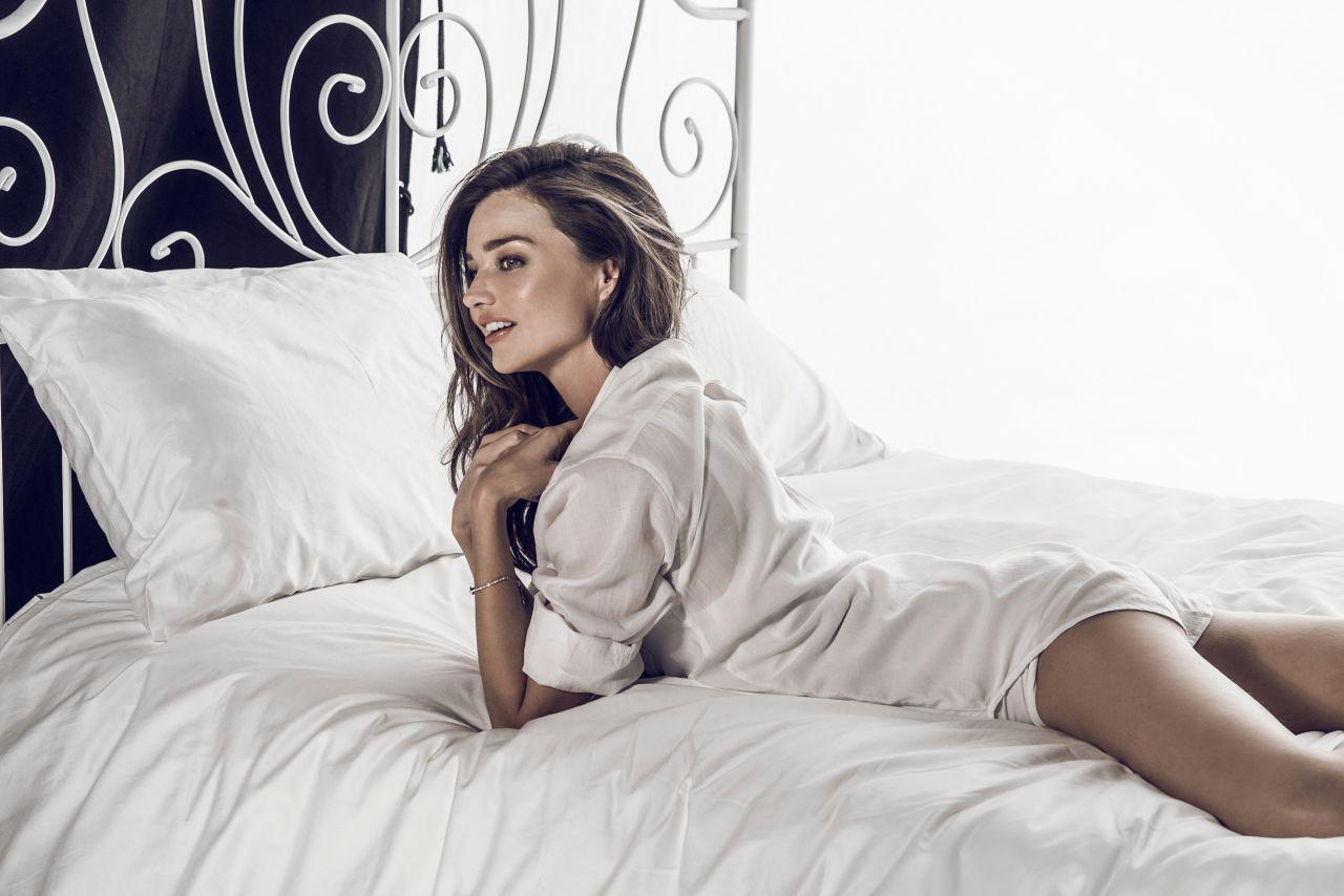 miranda-kerr-hot-and-sexy-stills