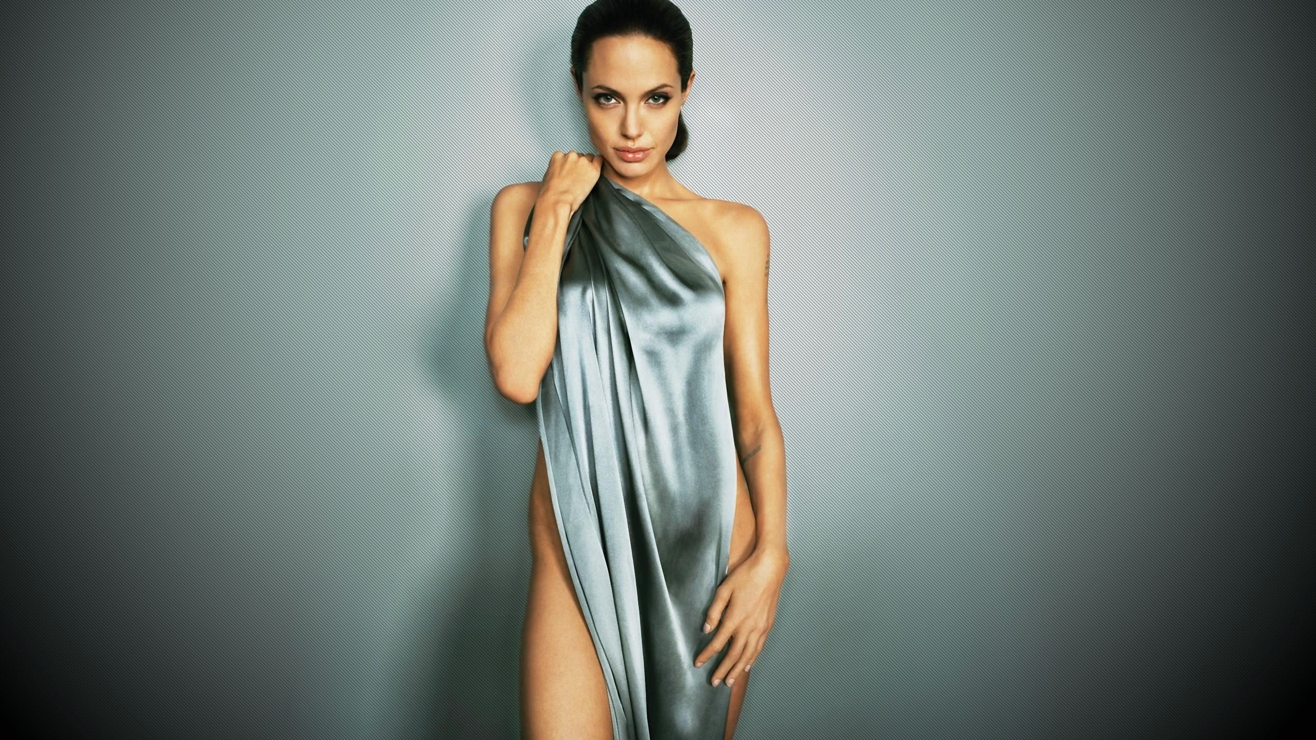 Angelina Jolie Hot And Sexy Pics angelina jolie hot & sexy images, videos and photos
