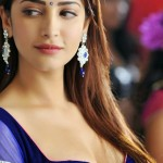 shruti-hassan-navy-blue-choli-