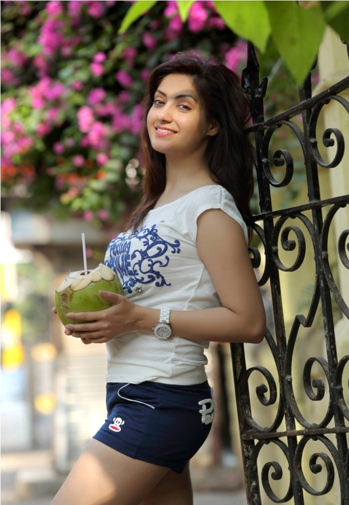 Tamil Actress Gurleen Chopra Latest Hot Photoshoot Stills