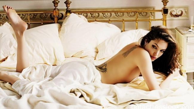 Angelina Jolie hot girl