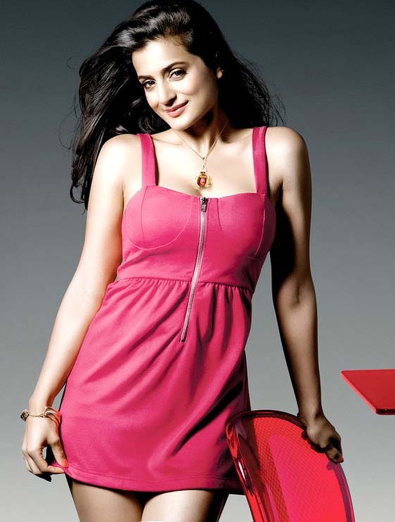 Hot-Actress-Amisha-patel-sexy-Photos