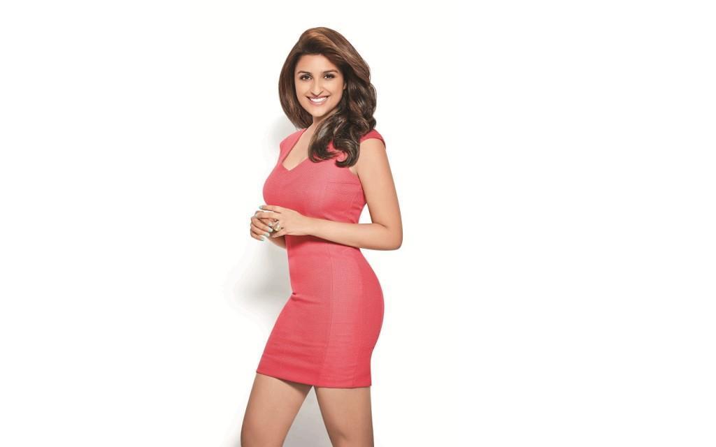 Hot-Parineeti-Chopra-new-western-dress