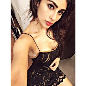 Mouni Roy Hot Unseen Sexy Photos And Wallpapers