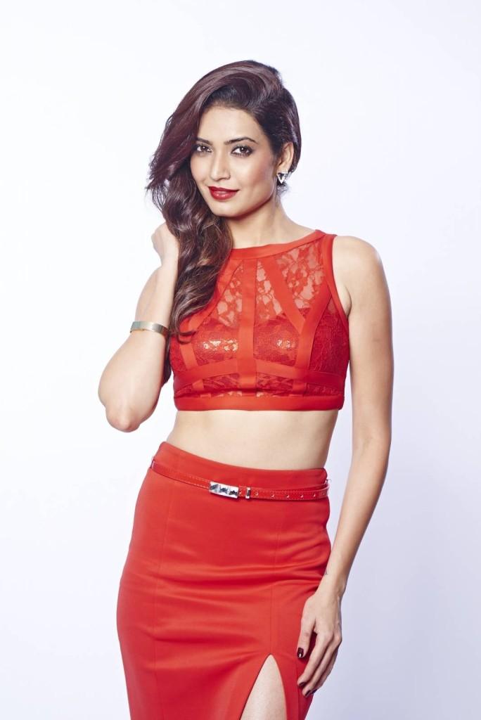 Karishma Tanna sexy