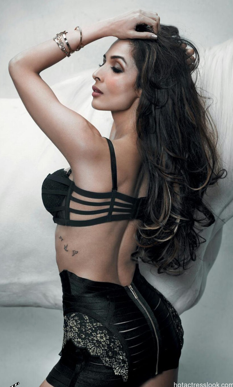 Malaika-Arora-Khan-Maxim-India-Magazine-October-2014-Hot-Bikini-Photoshoot_4