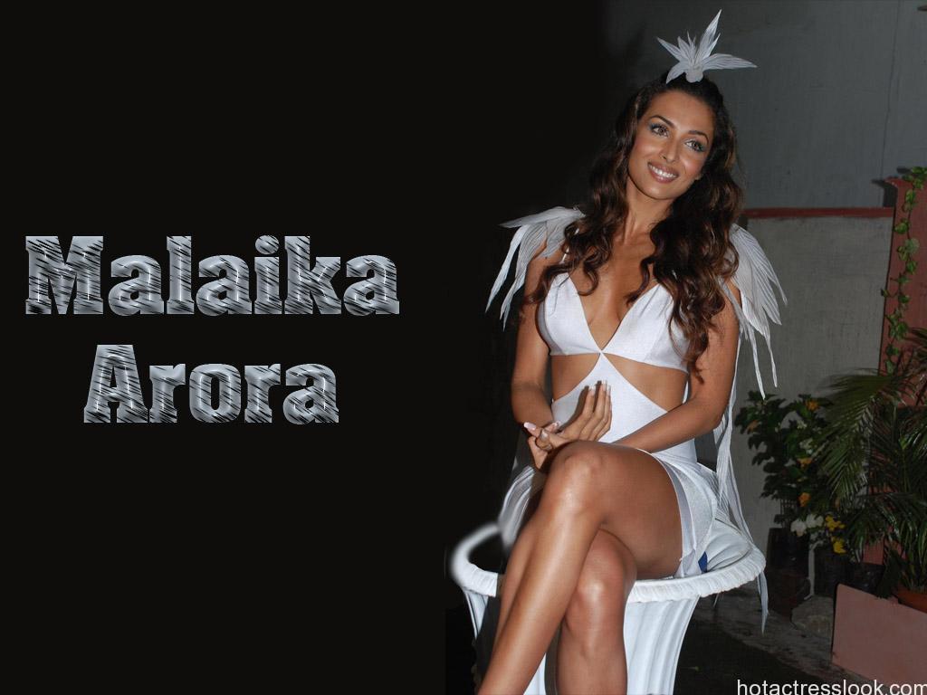 Malaika_Arora Lingerie