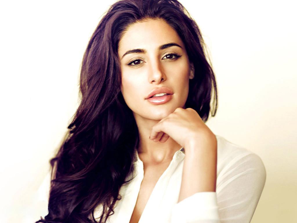 Nargis-Fakhri naughty hot