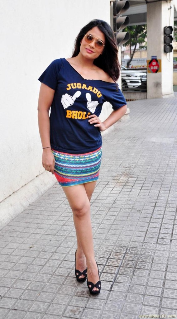Richa_Chadda_Super_Sexy