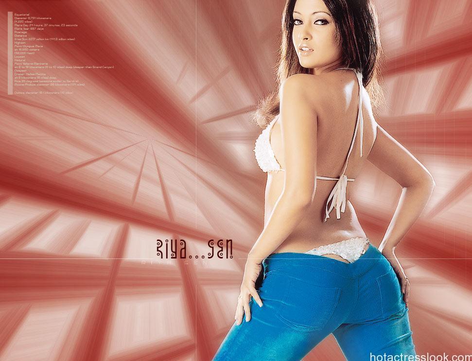Riya-Sen-sexy-HD-Wallpapers