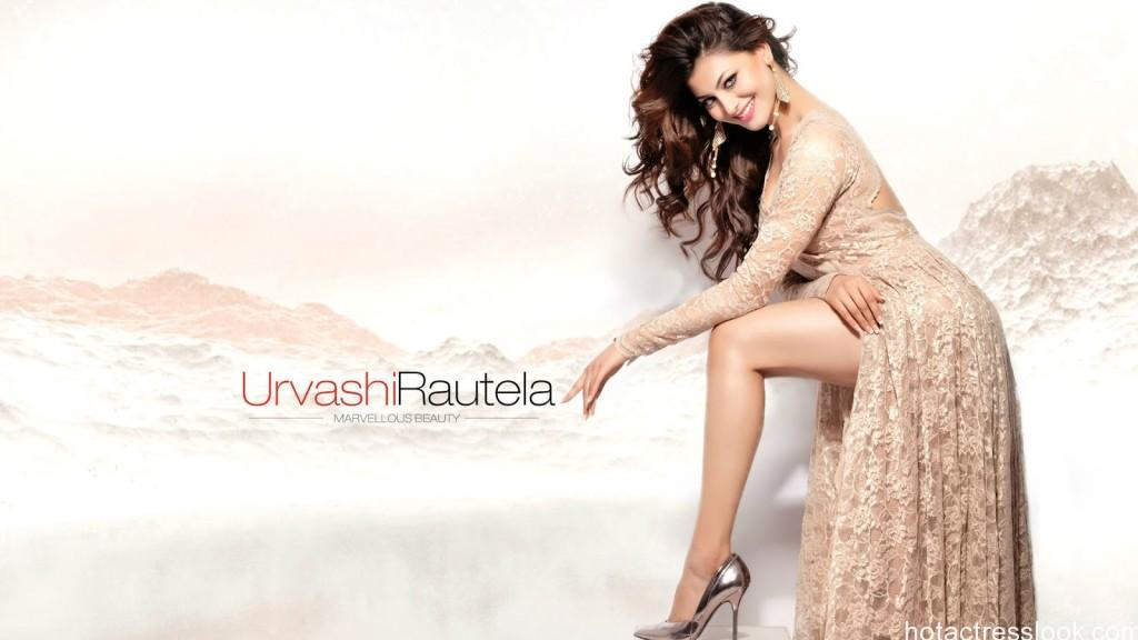 Sexy Urvashi