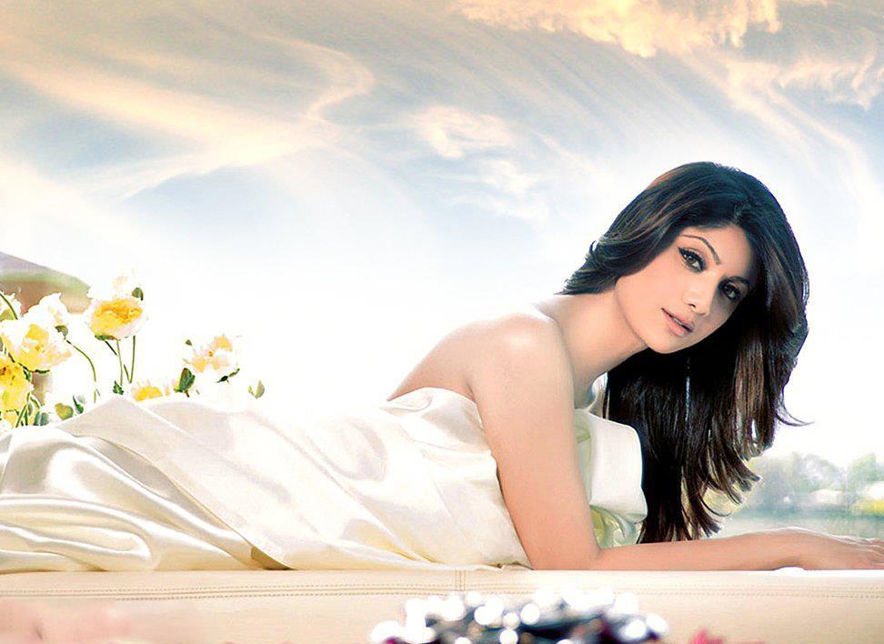 Shilpa-Shetty-Sizzling-Pics
