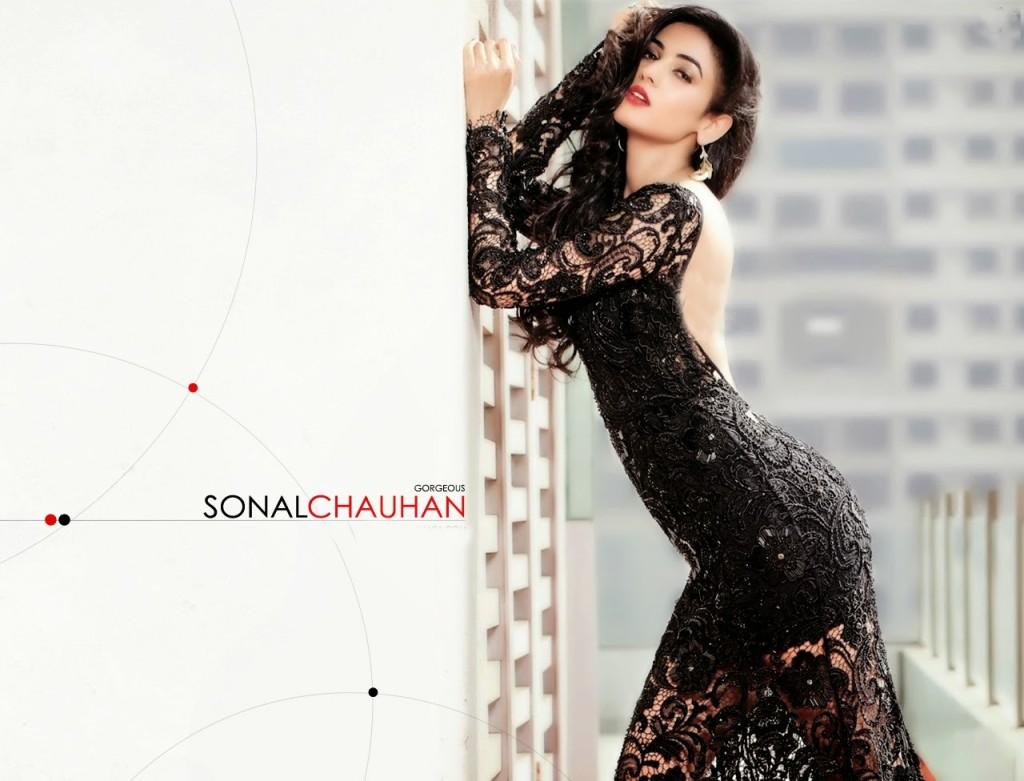 Sonal+Chauhan Sexy