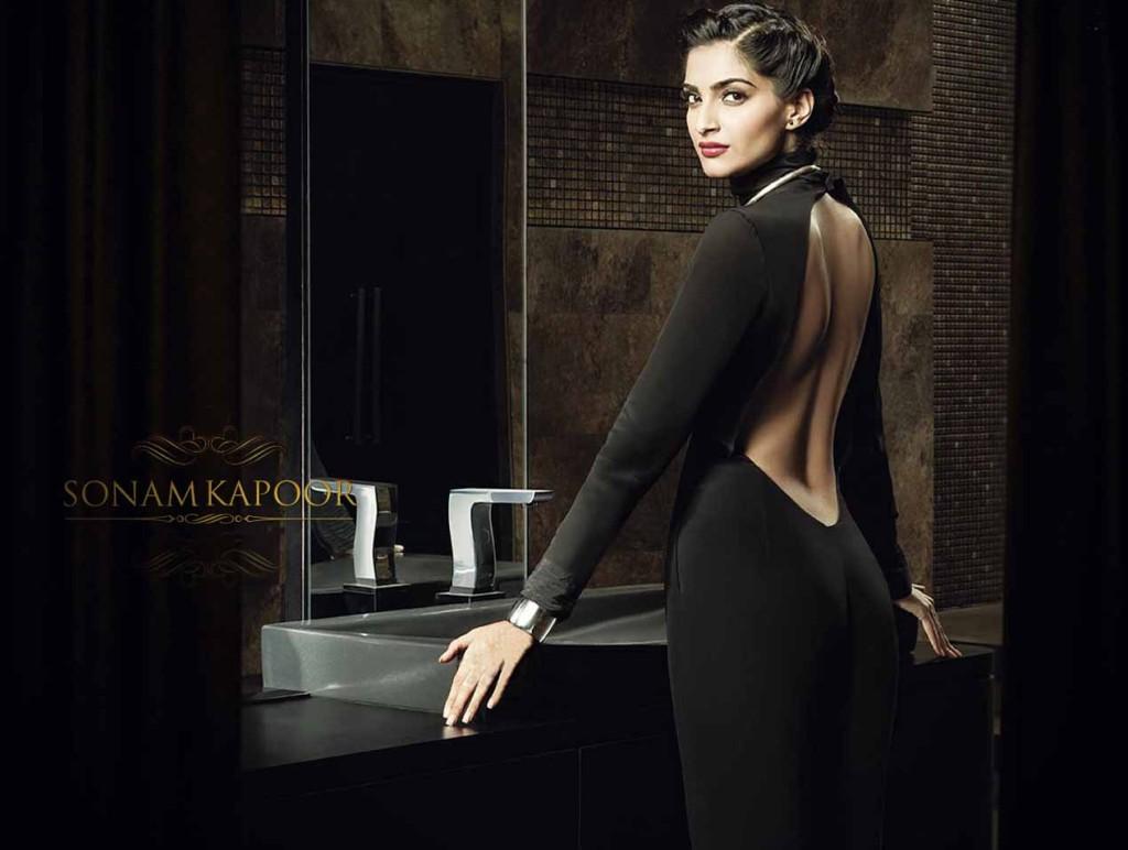 Sonam-Kapoor-hot-black-dress