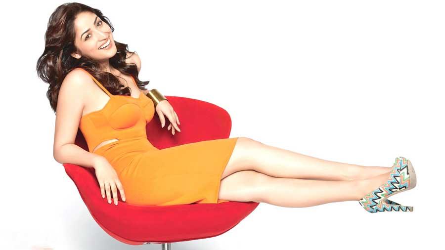Yami-Gautam sexy legs
