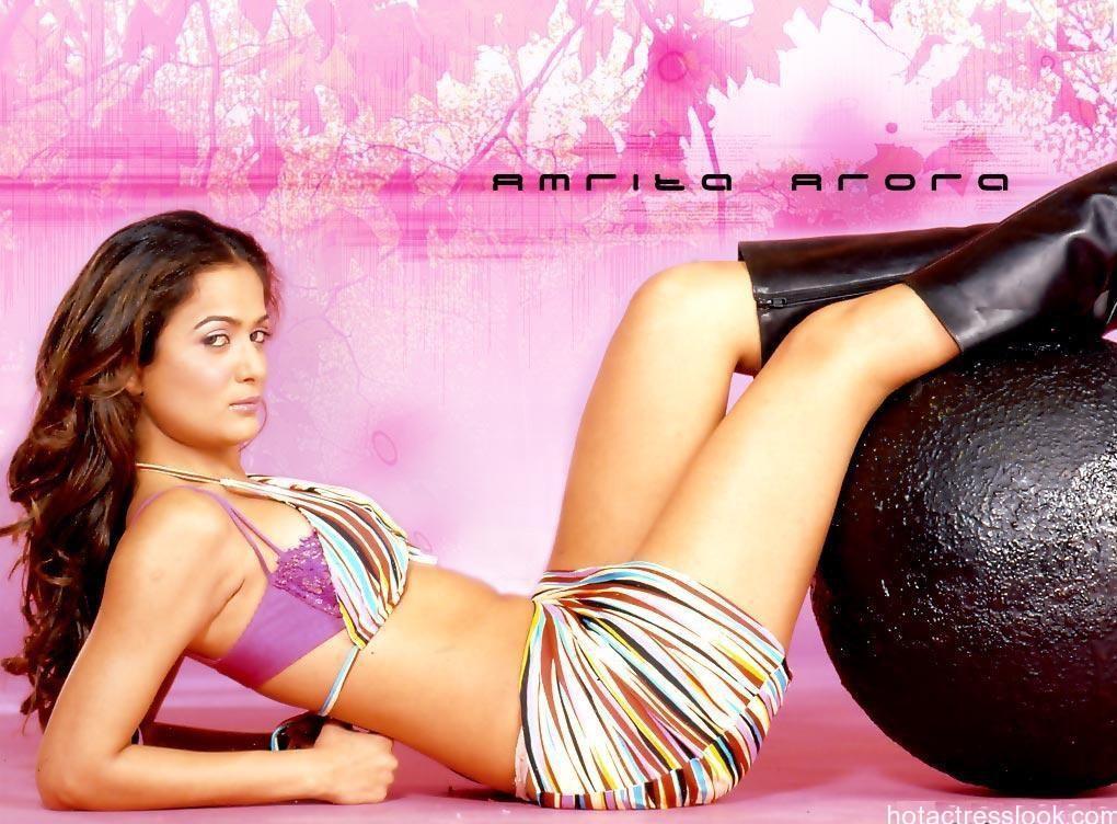 amrita-arora-Bikini