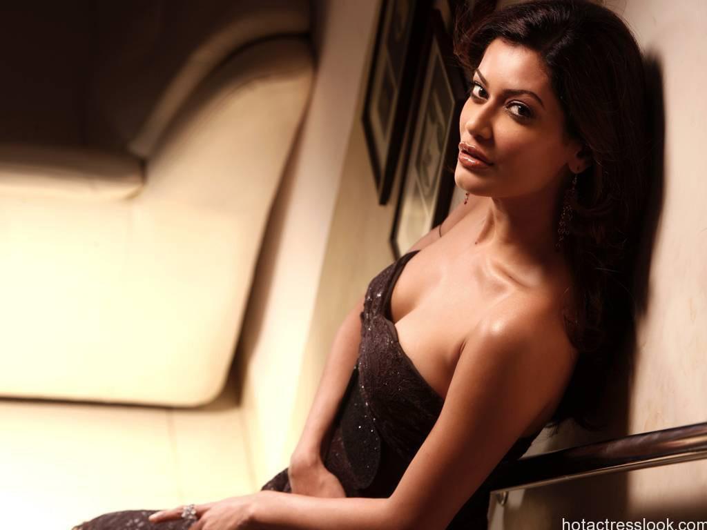 sexy-payal-rohatgi cute and hot