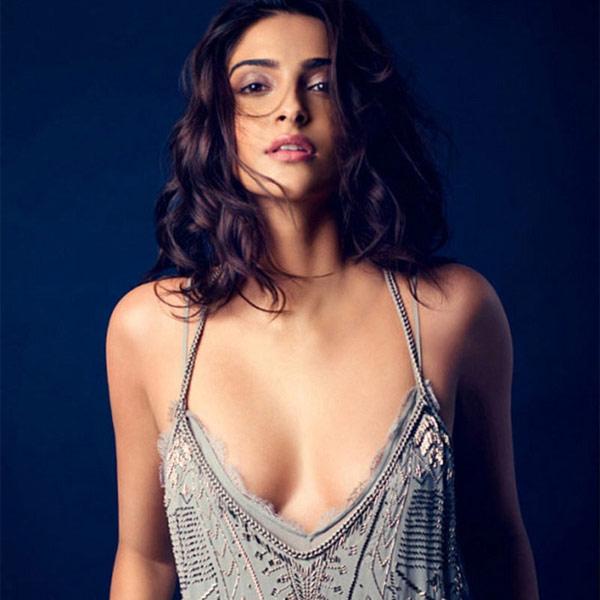 sonam-kapoor-kills-it-with-her-bold-pic