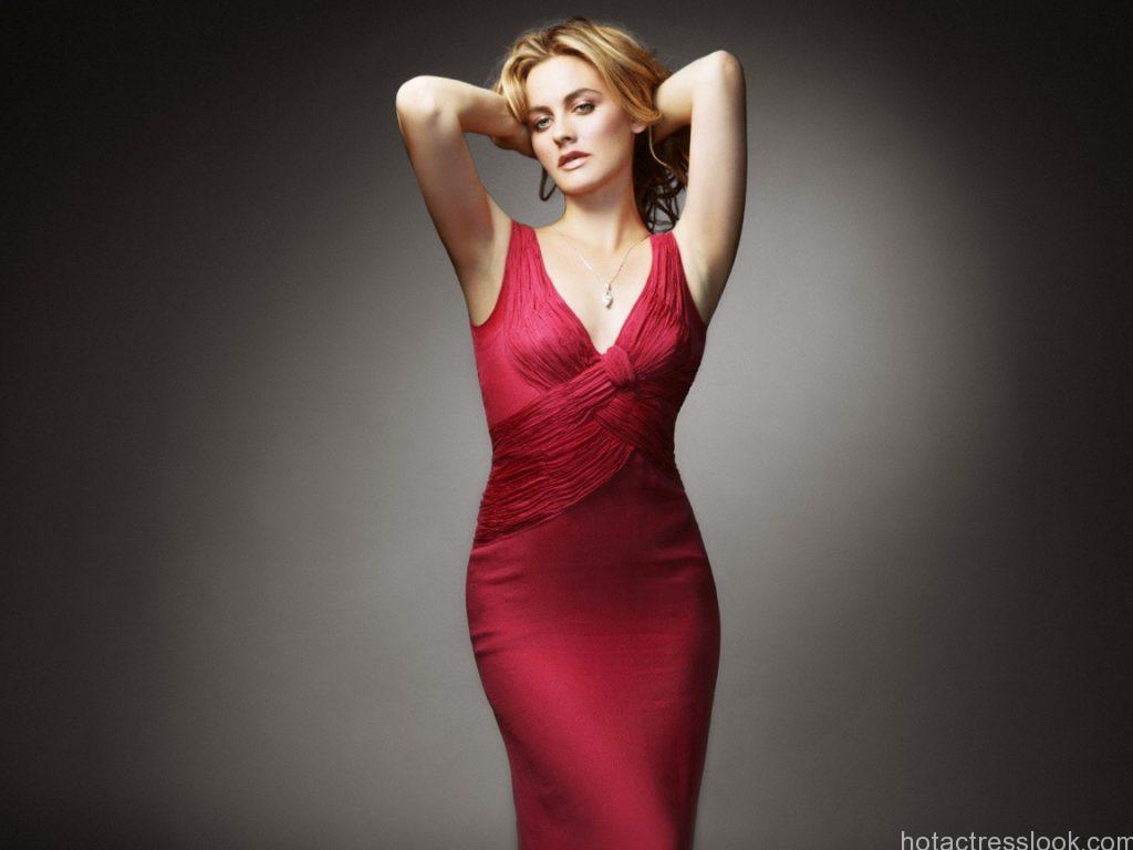 Alicia-Silverstone-Sexy-Red-Dress