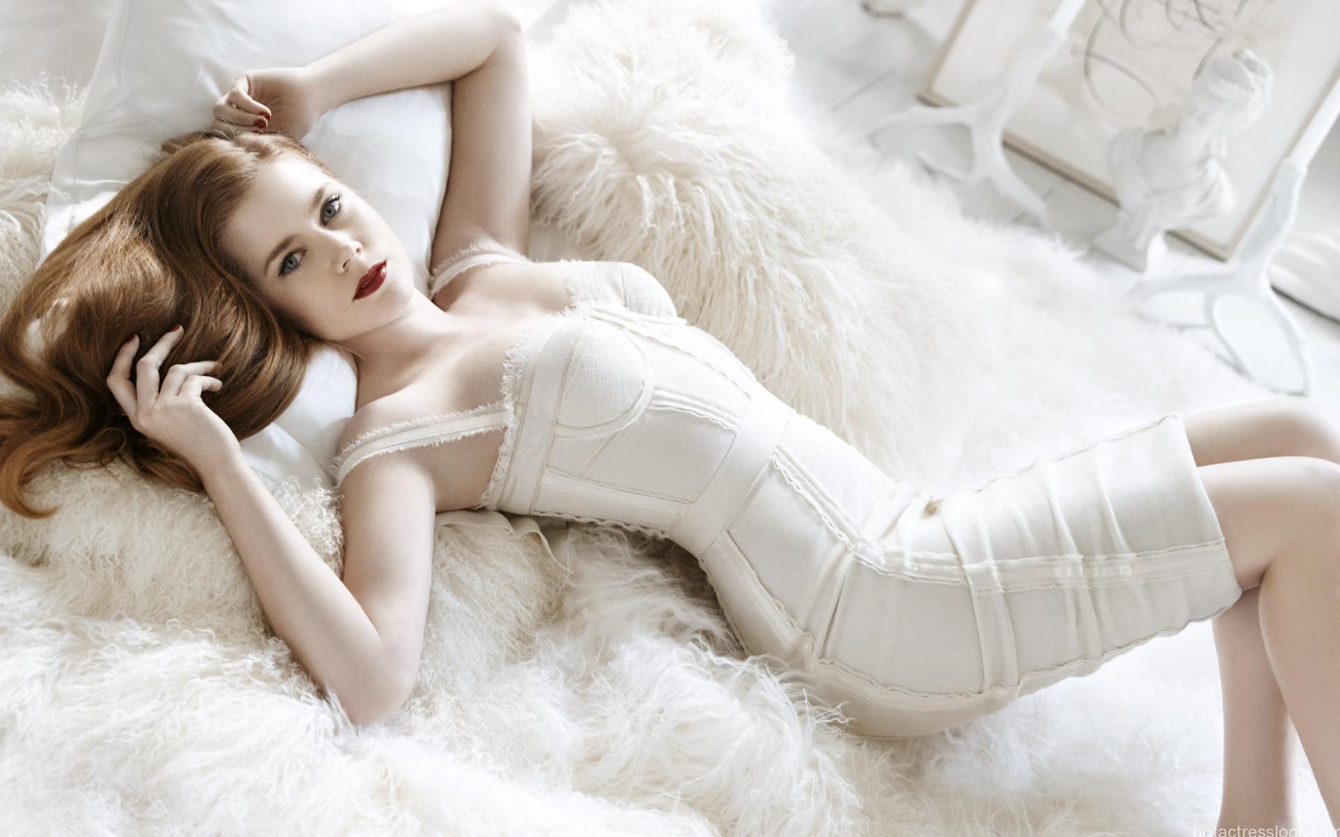 Amy adams sexy stills