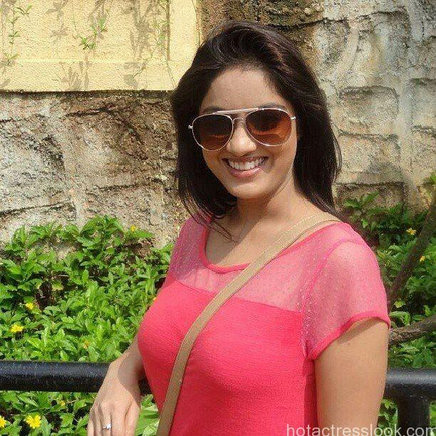 Deepika Singh Sexy image