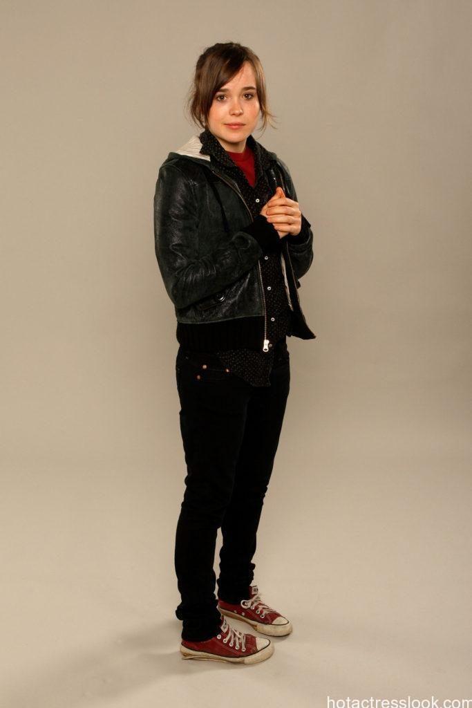 Ellen Page Sexy looks