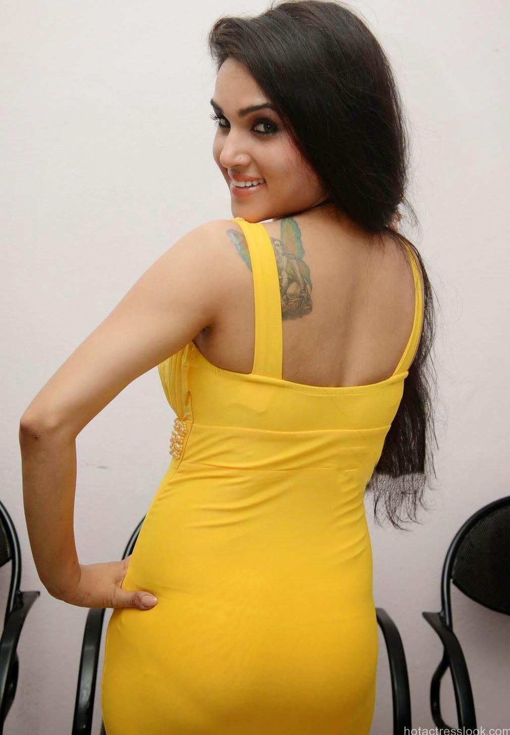 Kavya Singh hot in bikini