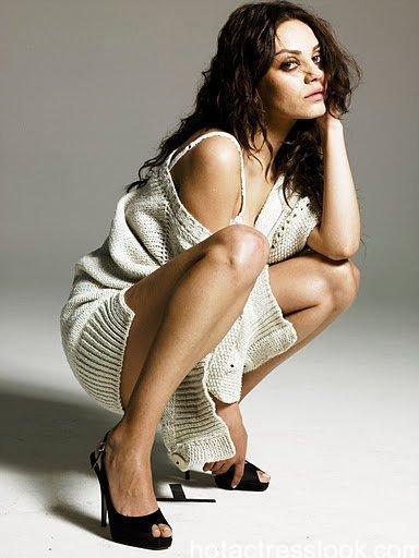 Mila Kunis showing hot body in bikini