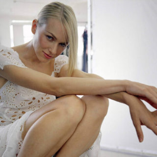 Naomi Watts Sexy pics