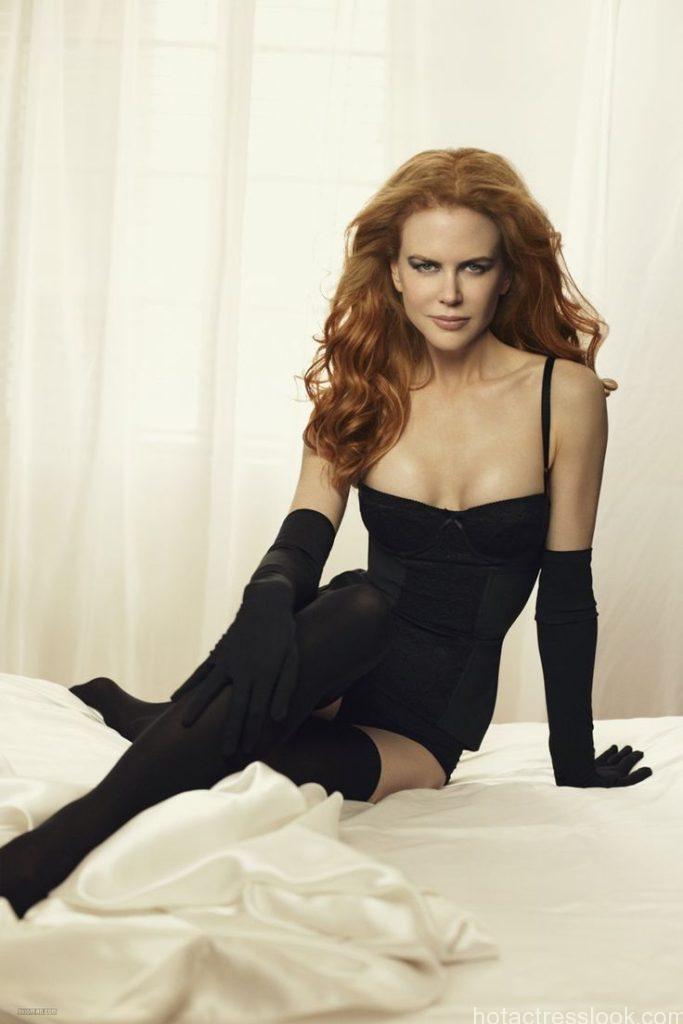 Nicole Kidman Hot In Swimwear