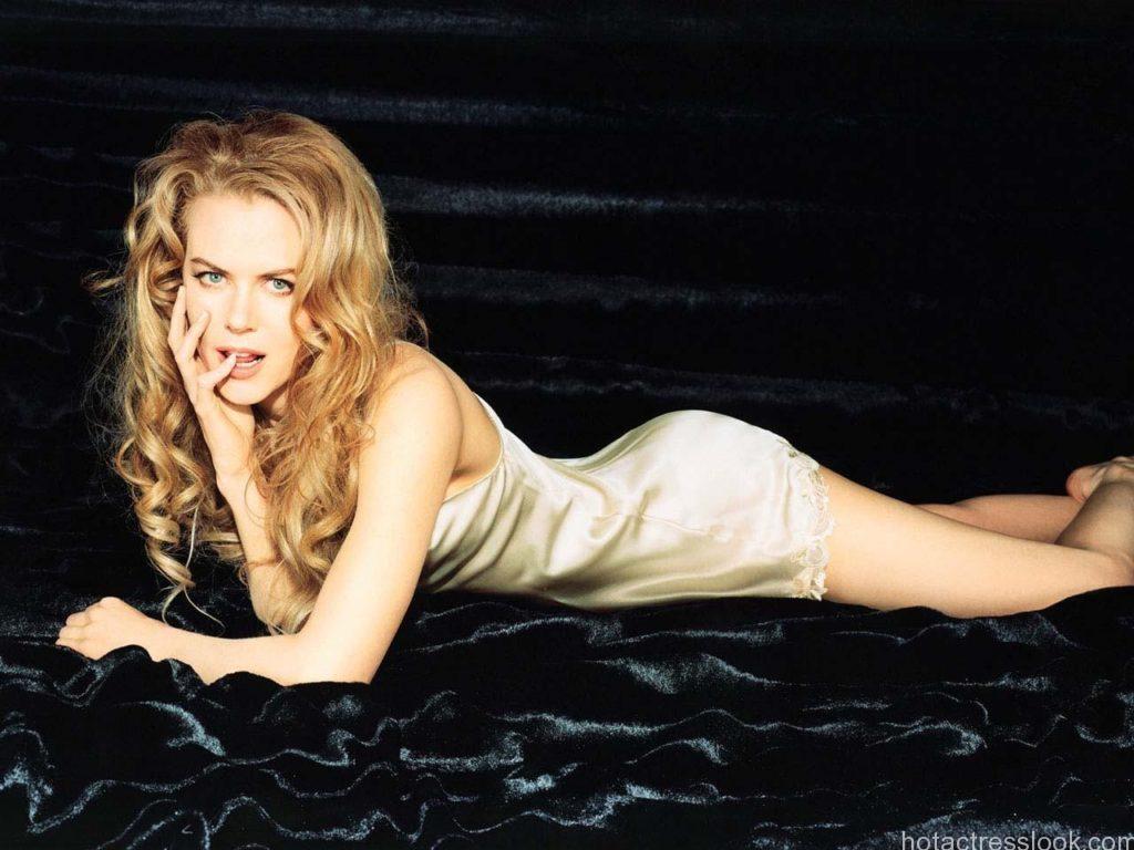 Nicole Kidman Sexy stills