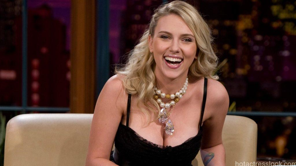 Scarlett-Johansson-9