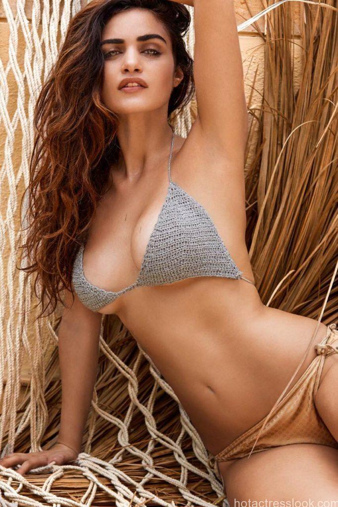 Sexy gabriella-demetriades in bikini