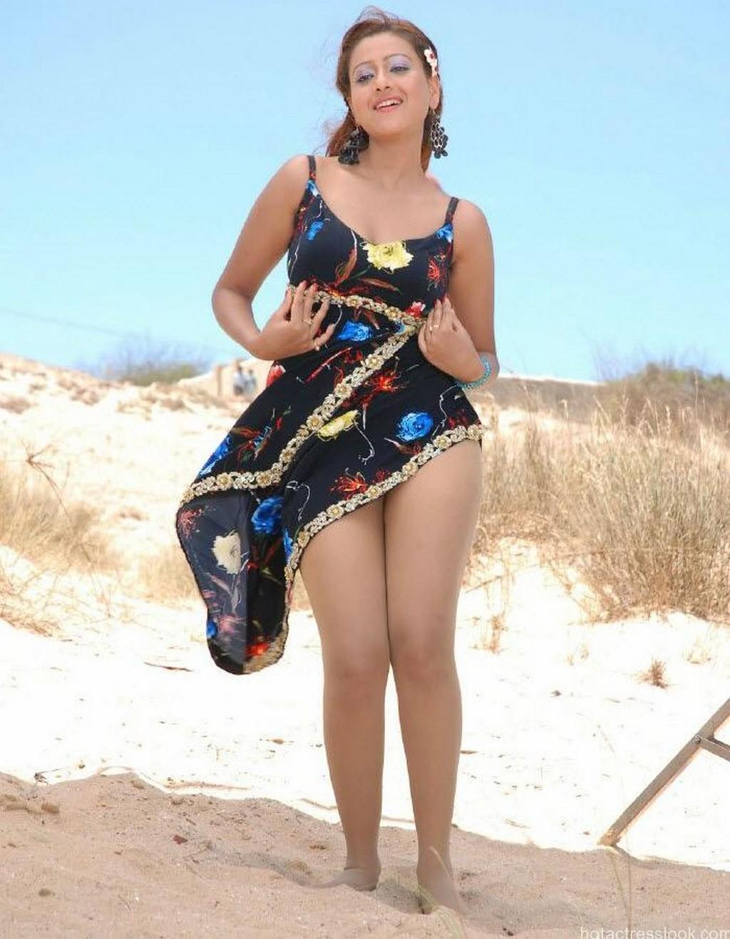Sweta Basu Prasad Sexy pics