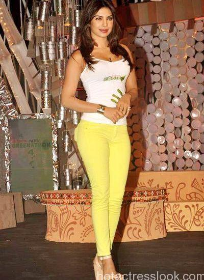 Priyanka Chopra Hot Sexy Unseen Bikini Images-7575