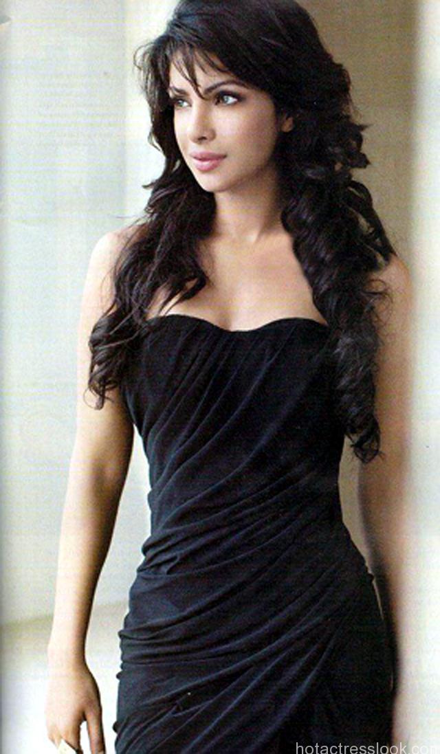 priyanka-chopra-sexy-HD-pics
