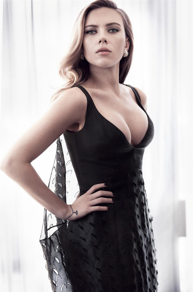 scarlett-johansson-boobs