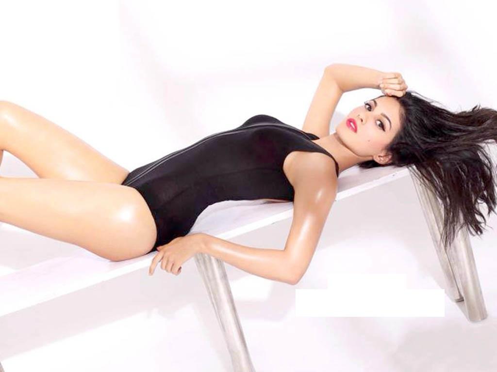 Amyra Dastur hot photoshoot