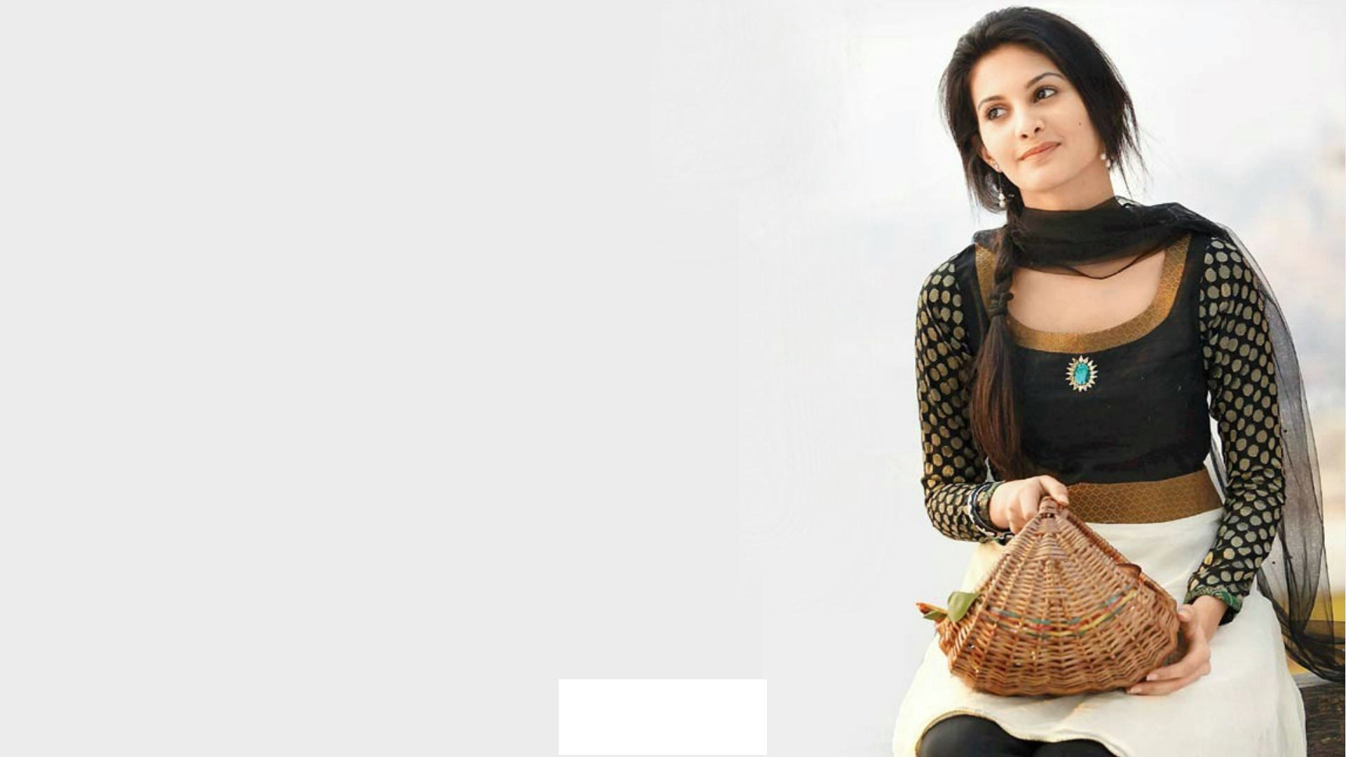 Amyra Dastur sexy images
