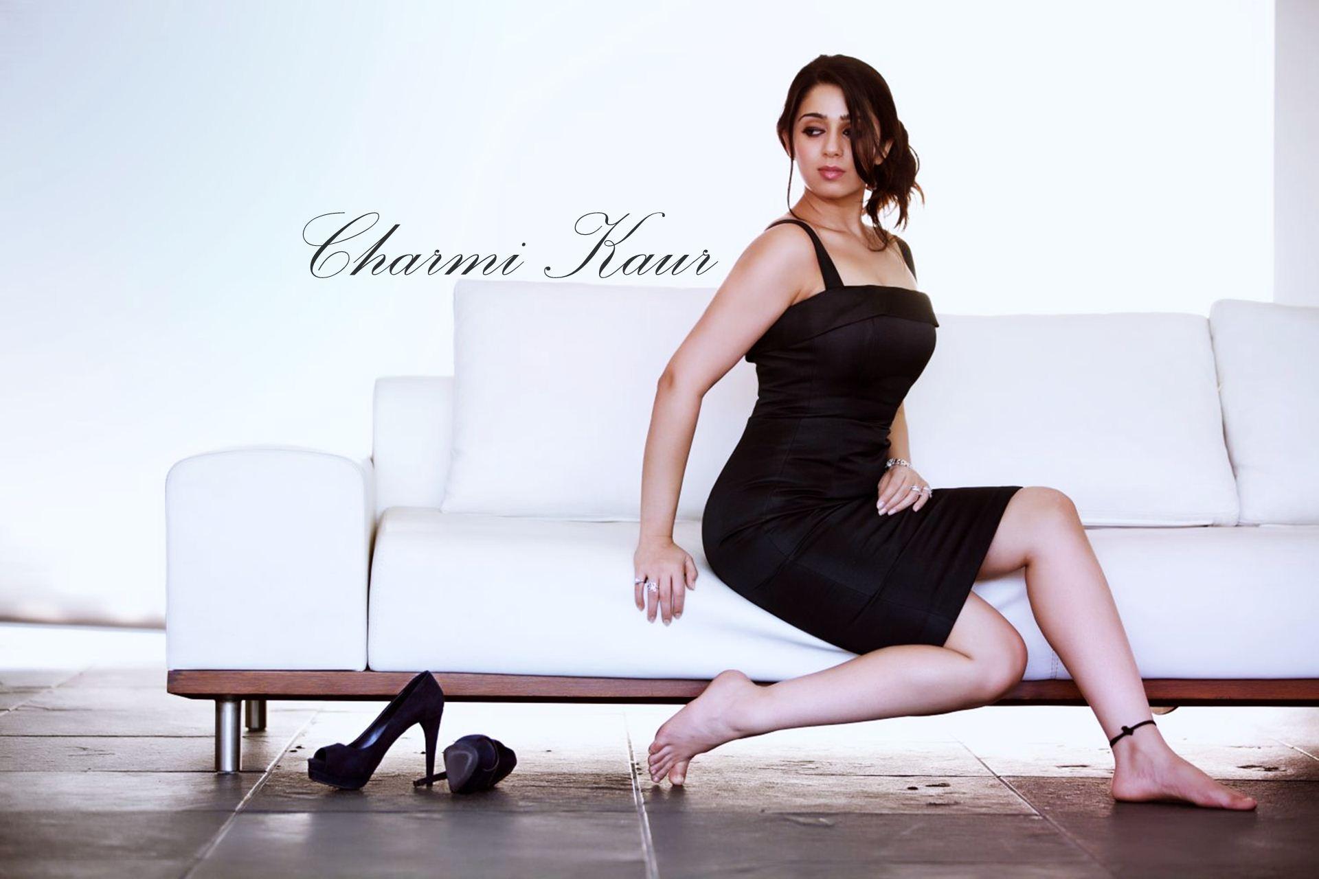 Charmi Kaur sexy pics