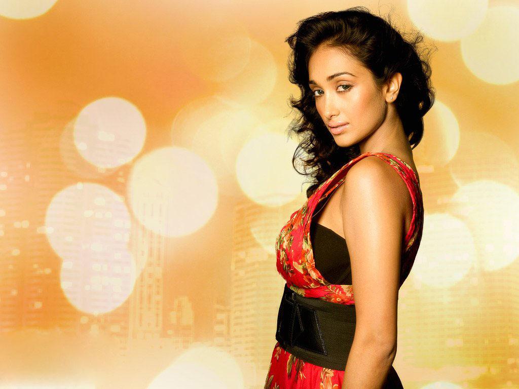 Jiah Khan sexy pics in saree