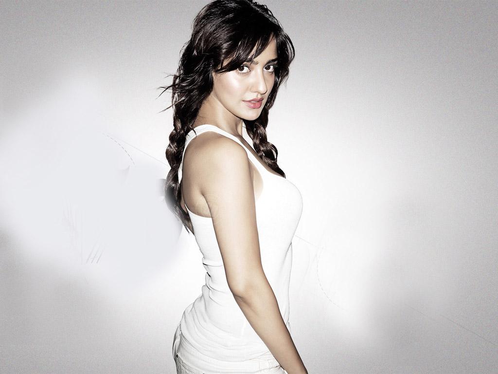 Neha Sharma hot stills in saree